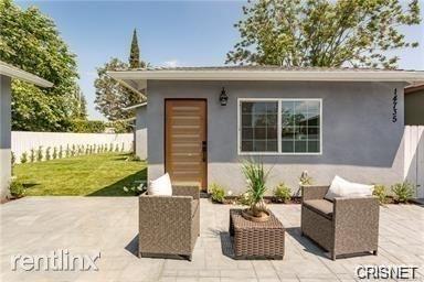 3 Bedrooms, Van Nuys Rental in Los Angeles, CA for $2,995 - Photo 1