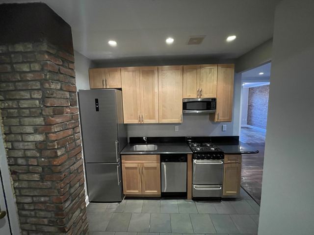 3 Bedrooms, East Harlem Rental in NYC for $2,354 - Photo 1