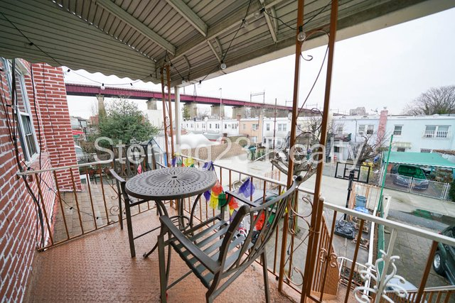 2 Bedrooms, Ditmars Rental in NYC for $2,300 - Photo 1