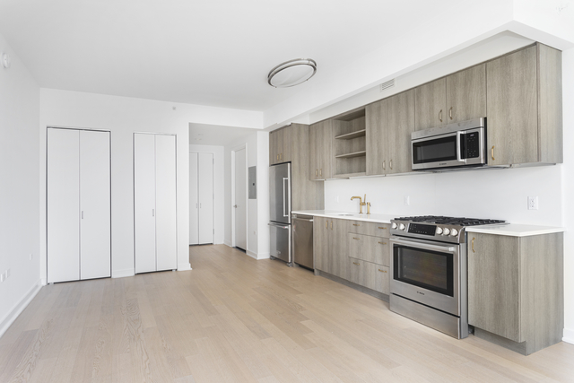 Studio, Hell's Kitchen Rental in NYC for $2,408 - Photo 1