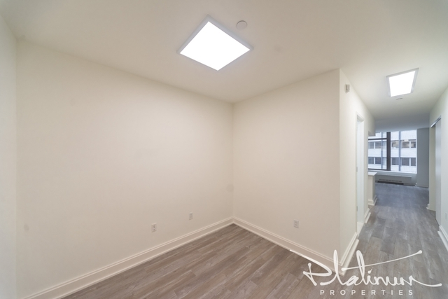 Studio, Financial District Rental in NYC for $2,056 - Photo 1