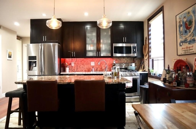 2 Bedrooms, Astoria Rental in NYC for $3,050 - Photo 1