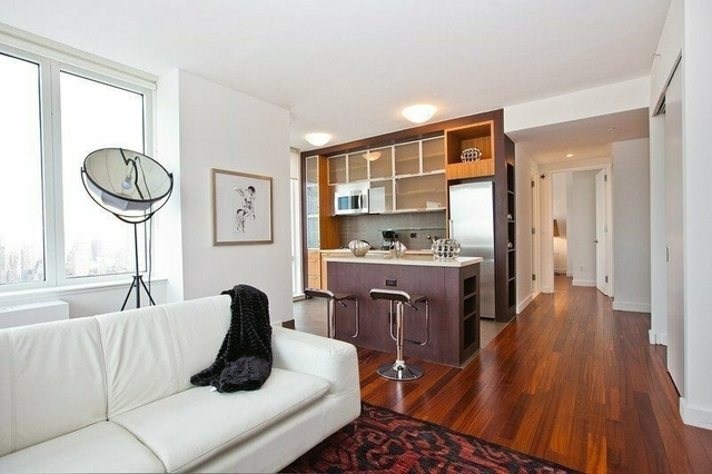 2 Bedrooms, Hell's Kitchen Rental in NYC for $5,056 - Photo 1