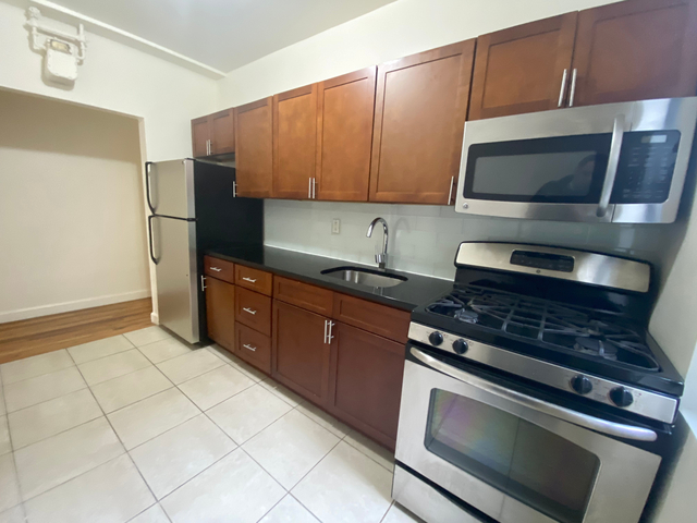 Room, Washington Heights Rental in NYC for $725 - Photo 1