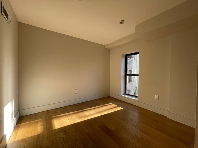 7 Bedrooms, Greenpoint Rental in NYC for $6,300 - Photo 1