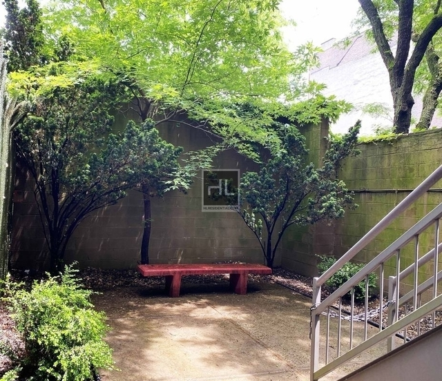 2 Bedrooms, Hell's Kitchen Rental in NYC for $3,334 - Photo 1
