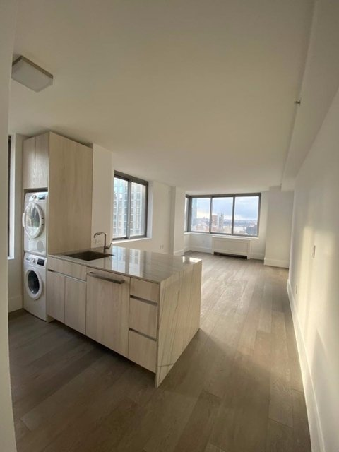 1 Bedroom, Theater District Rental in NYC for $3,050 - Photo 1