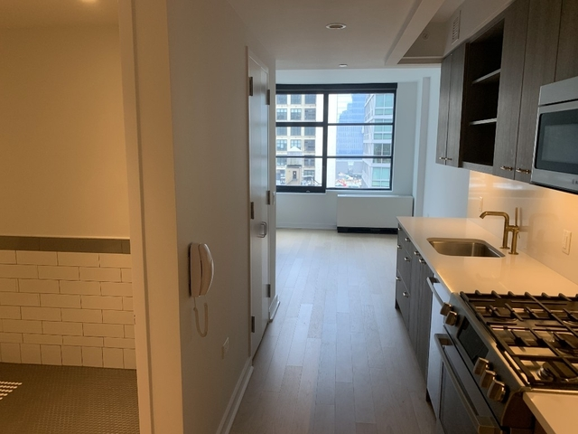 Studio, Hell's Kitchen Rental in NYC for $5,195 - Photo 1