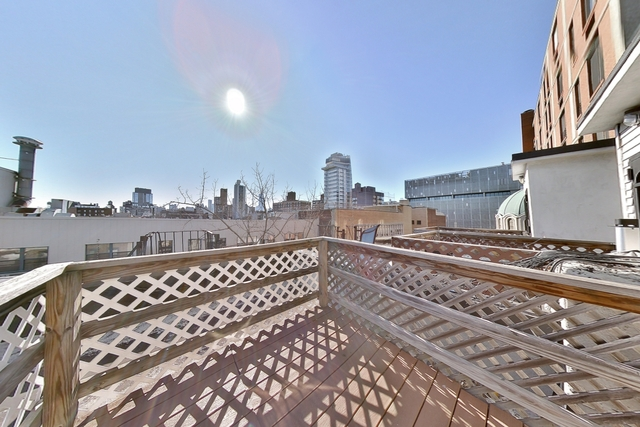 2 Bedrooms, East Village Rental in NYC for $2,313 - Photo 1