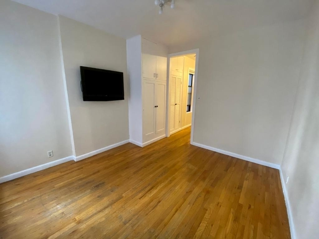 1 Bedroom, West Village Rental in NYC for $2,100 - Photo 1