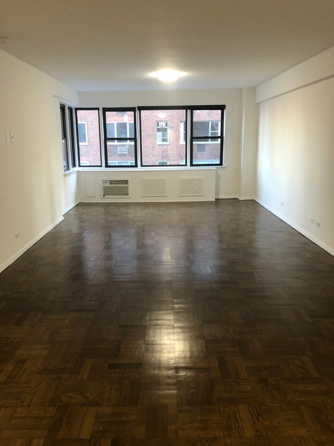 3 Bedrooms, Turtle Bay Rental in NYC for $7,847 - Photo 1
