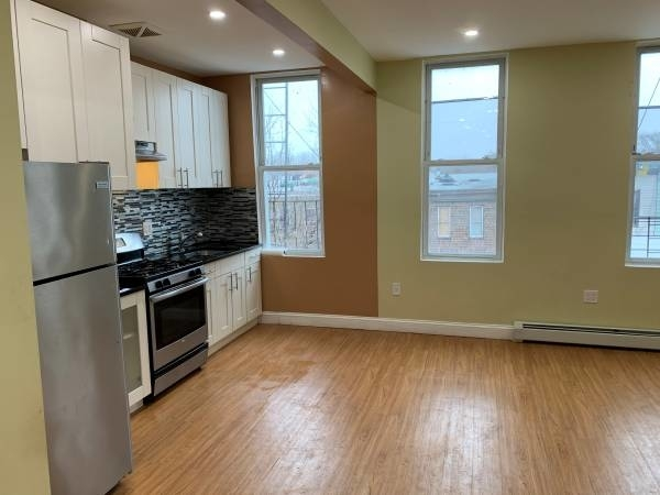 3 Bedrooms, Bushwick Rental in NYC for $3,000 - Photo 1