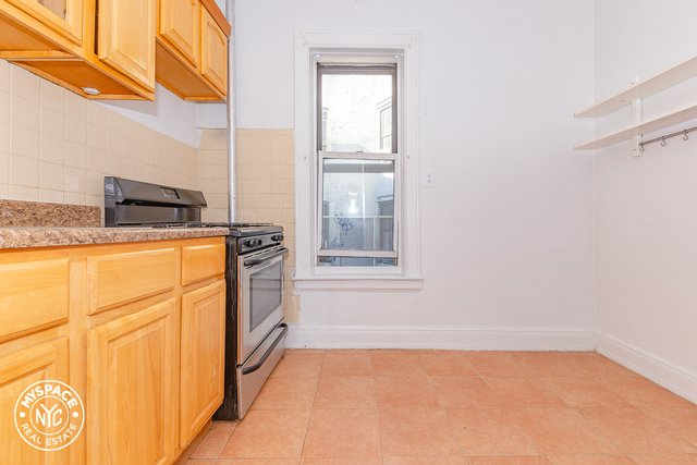 2 Bedrooms, Williamsburg Rental in NYC for $2,850 - Photo 1