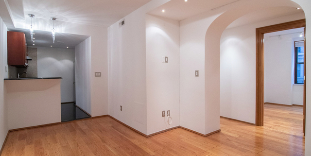 3 Bedrooms, Theater District Rental in NYC for $4,000 - Photo 1