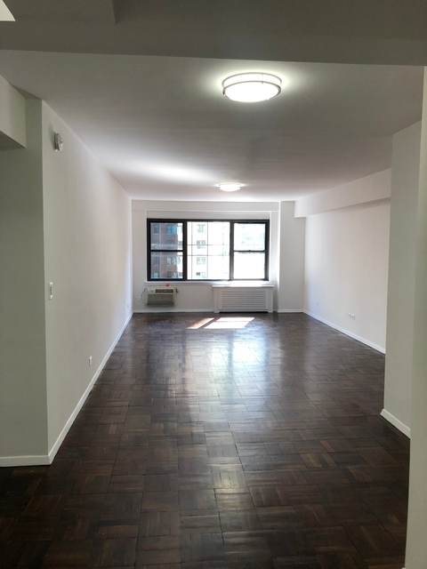 2 Bedrooms, Midtown East Rental in NYC for $5,238 - Photo 1