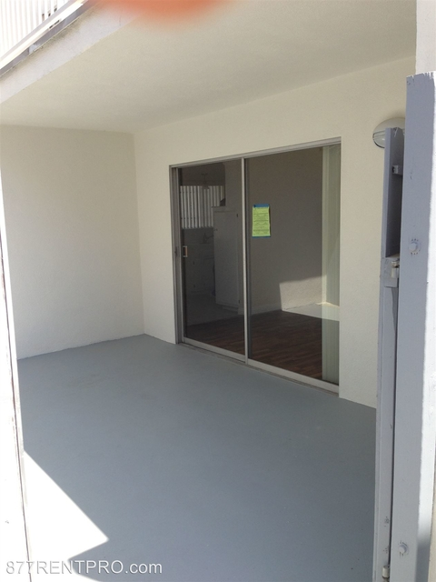 2 Bedrooms, Mid-City Rental in Los Angeles, CA for $2,545 - Photo 1
