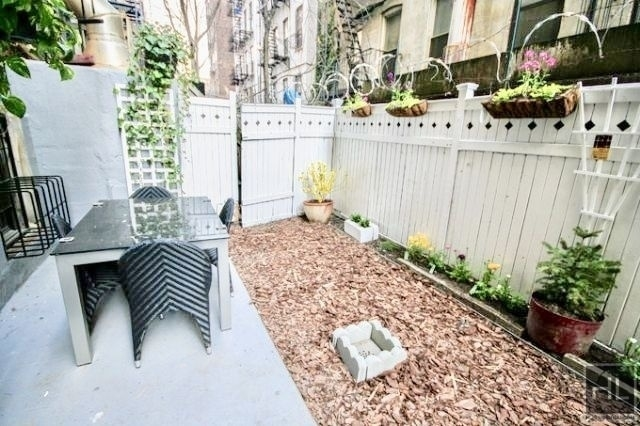 5 Bedrooms, Alphabet City Rental in NYC for $5,000 - Photo 1