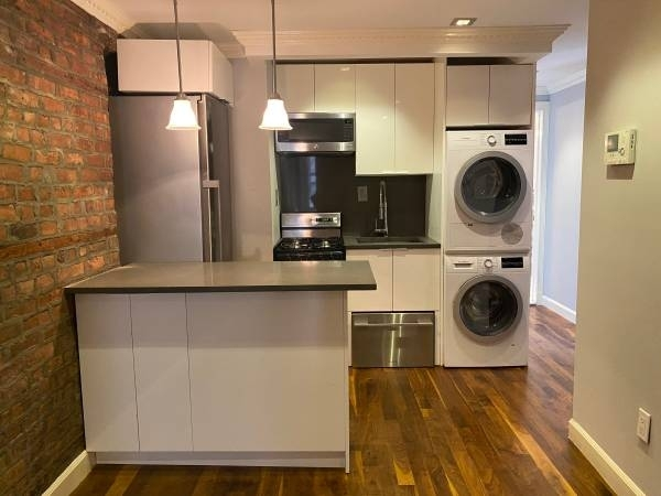 3 Bedrooms, Little Italy Rental in NYC for $4,354 - Photo 1
