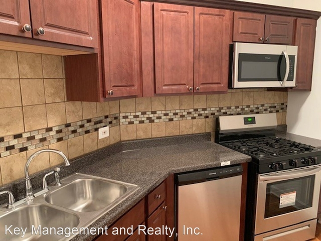 3 Bedrooms, Greektown Rental in Chicago, IL for $1,800 - Photo 1
