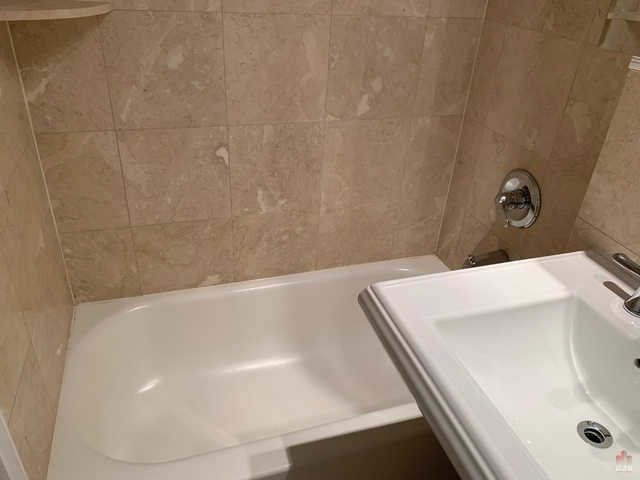 2 Bedrooms, Hell's Kitchen Rental in NYC for $2,239 - Photo 1
