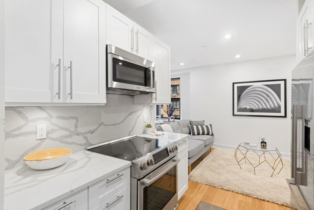 3 Bedrooms, Turtle Bay Rental in NYC for $5,994 - Photo 1