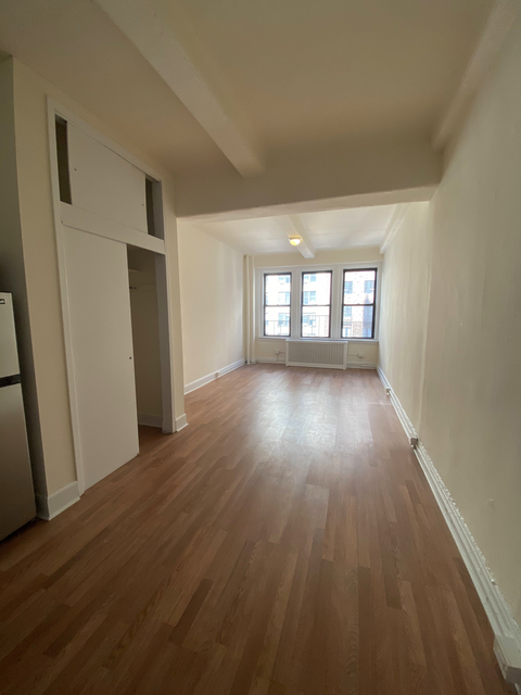 Studio, Lenox Hill Rental in NYC for $1,737 - Photo 1