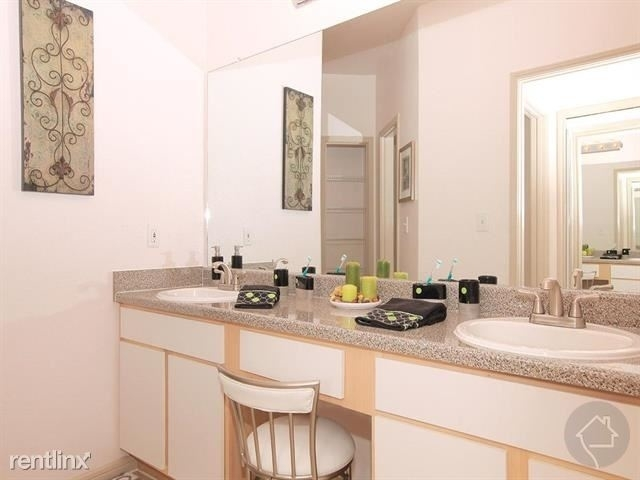 2 Bedrooms, Trails at Steeplechase Apts Rental in Houston for $2,641 - Photo 1