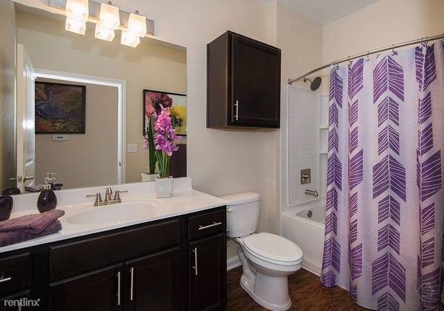 2 Bedrooms, Southeast Montgomery Rental in Houston for $1,432 - Photo 1