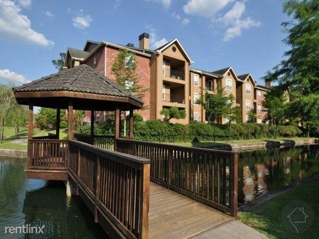 2 Bedrooms, Grogan's Mill Rental in Houston for $1,390 - Photo 1