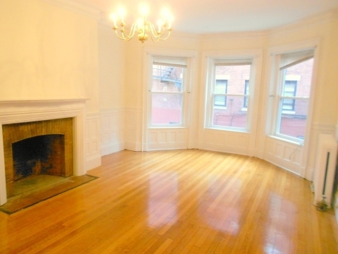 1 Bedroom, Kenmore Rental in Boston, MA for $2,500 - Photo 1