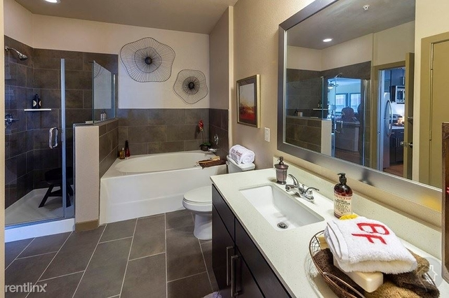 3 Bedrooms, Eldridge - West Oaks Rental in Houston for $2,358 - Photo 1