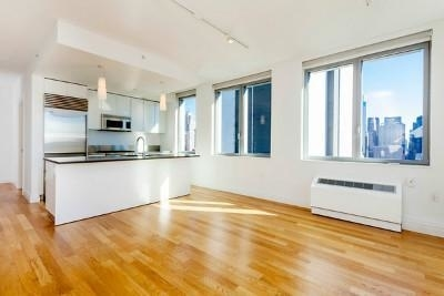 2 Bedrooms, Hell's Kitchen Rental in NYC for $8,015 - Photo 1