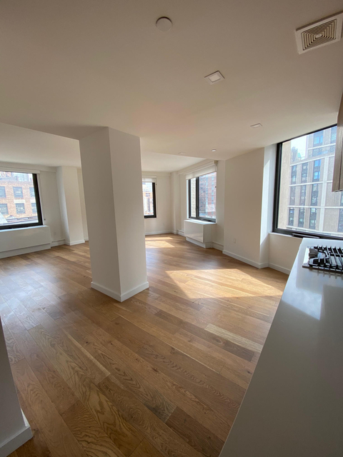 3 Bedrooms, Hell's Kitchen Rental in NYC for $7,915 - Photo 1