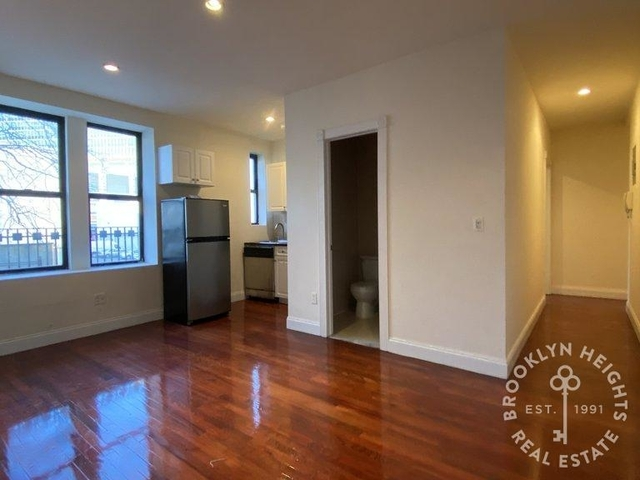 3 Bedrooms, North Slope Rental in NYC for $2,500 - Photo 1