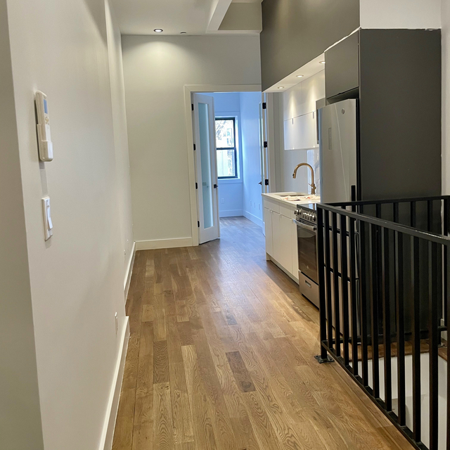 2 Bedrooms, Bushwick Rental in NYC for $2,425 - Photo 1