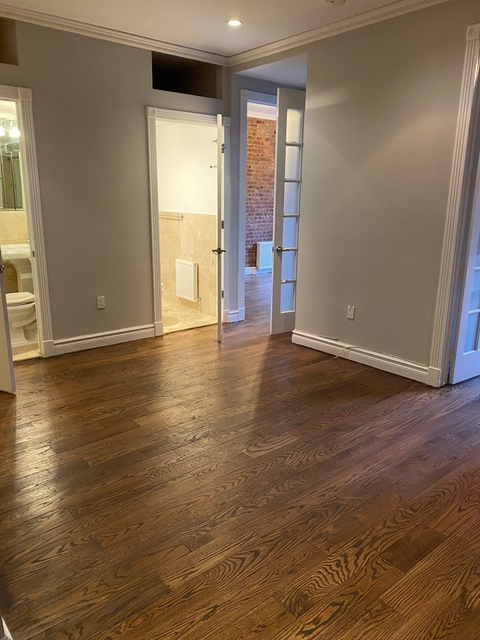 4 Bedrooms, East Village Rental in NYC for $4,599 - Photo 1
