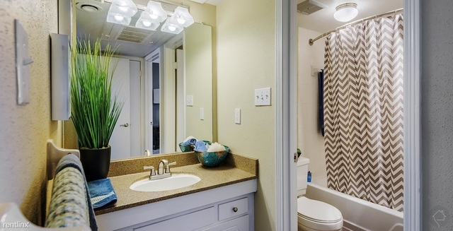 3 Bedrooms, Barkley Square South Rental in Houston for $1,450 - Photo 1