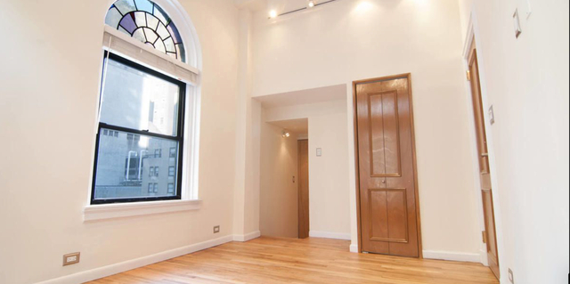 2 Bedrooms, Theater District Rental in NYC for $5,700 - Photo 1