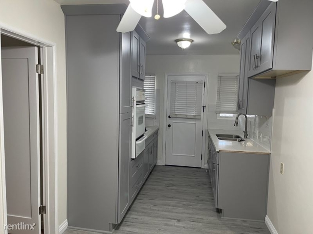2 Bedrooms, Morningside Park Rental in Los Angeles, CA for $1,950 - Photo 1