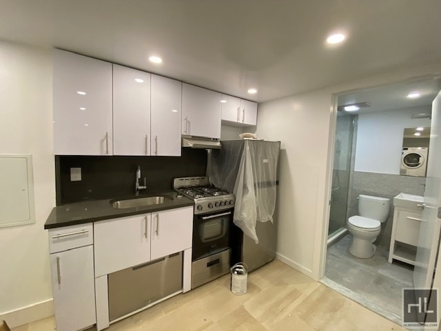 3 Bedrooms, Bowery Rental in NYC for $2,499 - Photo 1