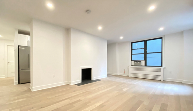 3 Bedrooms, Turtle Bay Rental in NYC for $11,157 - Photo 1