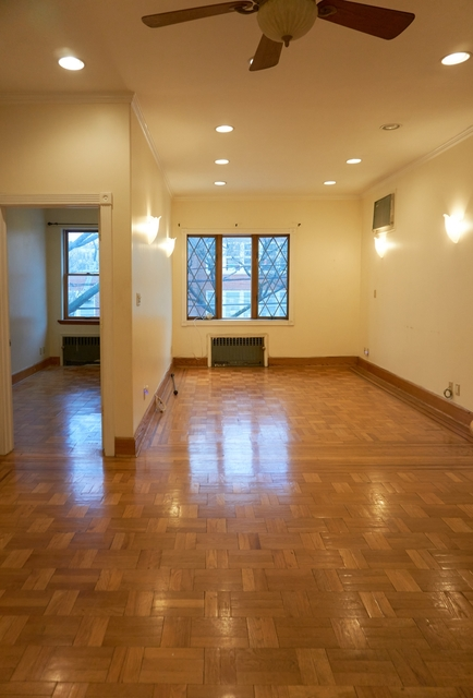 3 Bedrooms, Long Island City Rental in NYC for $2,700 - Photo 1