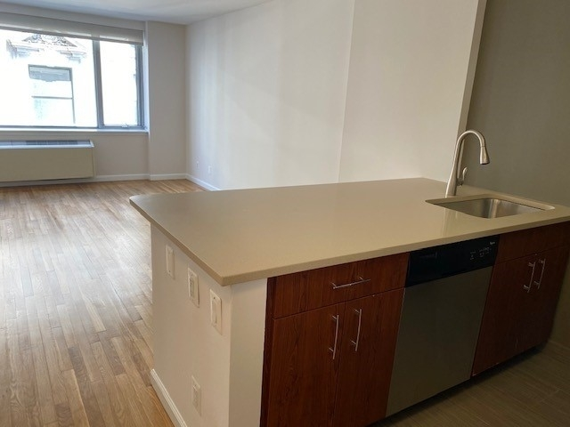 1 Bedroom, Chelsea Rental in NYC for $3,989 - Photo 1