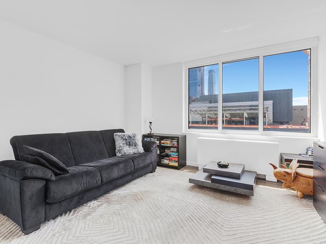 Studio, Hell's Kitchen Rental in NYC for $2,280 - Photo 1