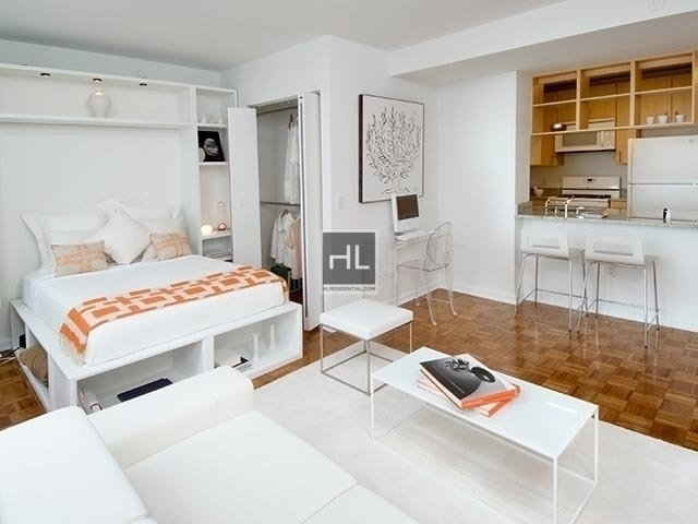 Studio, Hell's Kitchen Rental in NYC for $2,684 - Photo 1