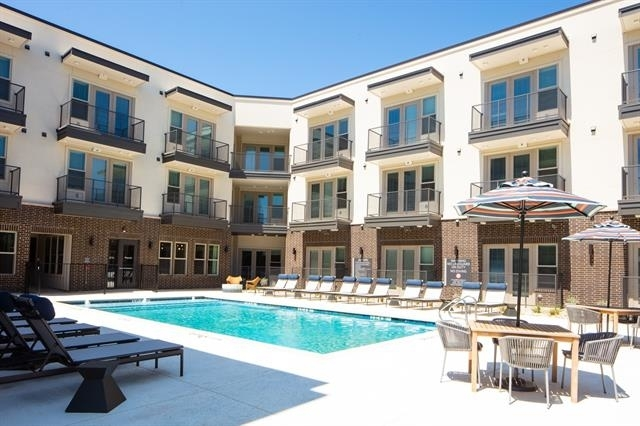 2 Bedrooms, Paschal Rental in Dallas for $2,080 - Photo 1