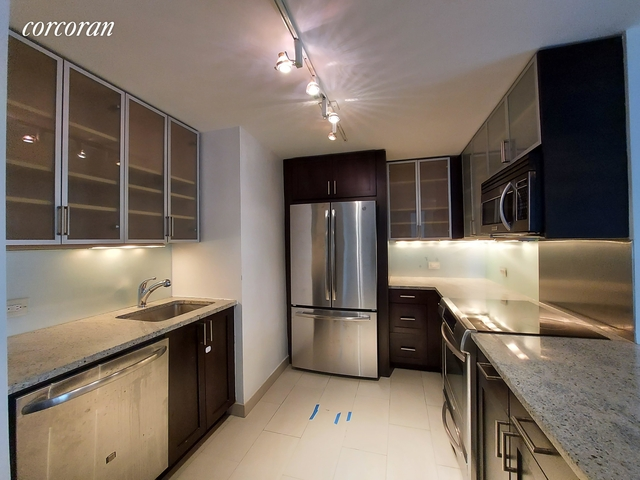 3 Bedrooms, Lincoln Square Rental in NYC for $6,592 - Photo 1