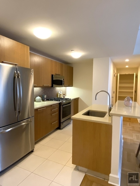 3 Bedrooms, Lincoln Square Rental in NYC for $7,214 - Photo 1