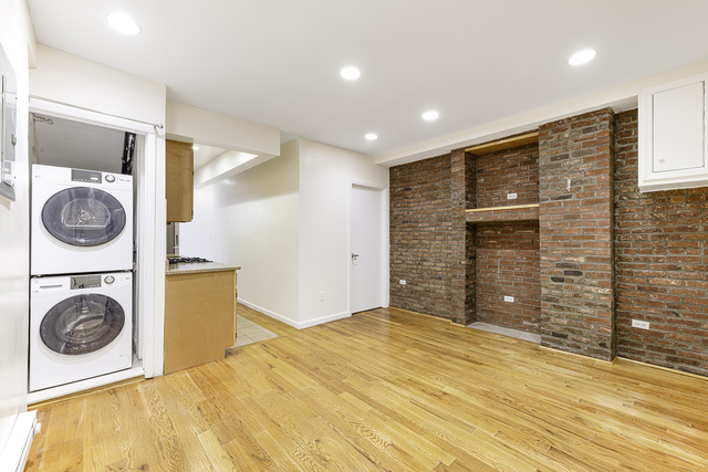 2 Bedrooms, Lower East Side Rental in NYC for $3,042 - Photo 1