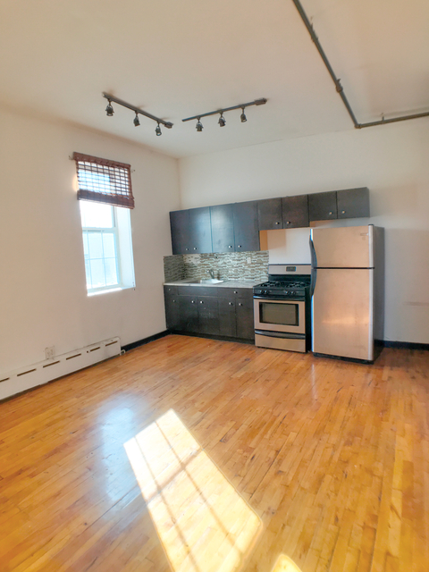 2 Bedrooms, Ridgewood Rental in NYC for $2,175 - Photo 1